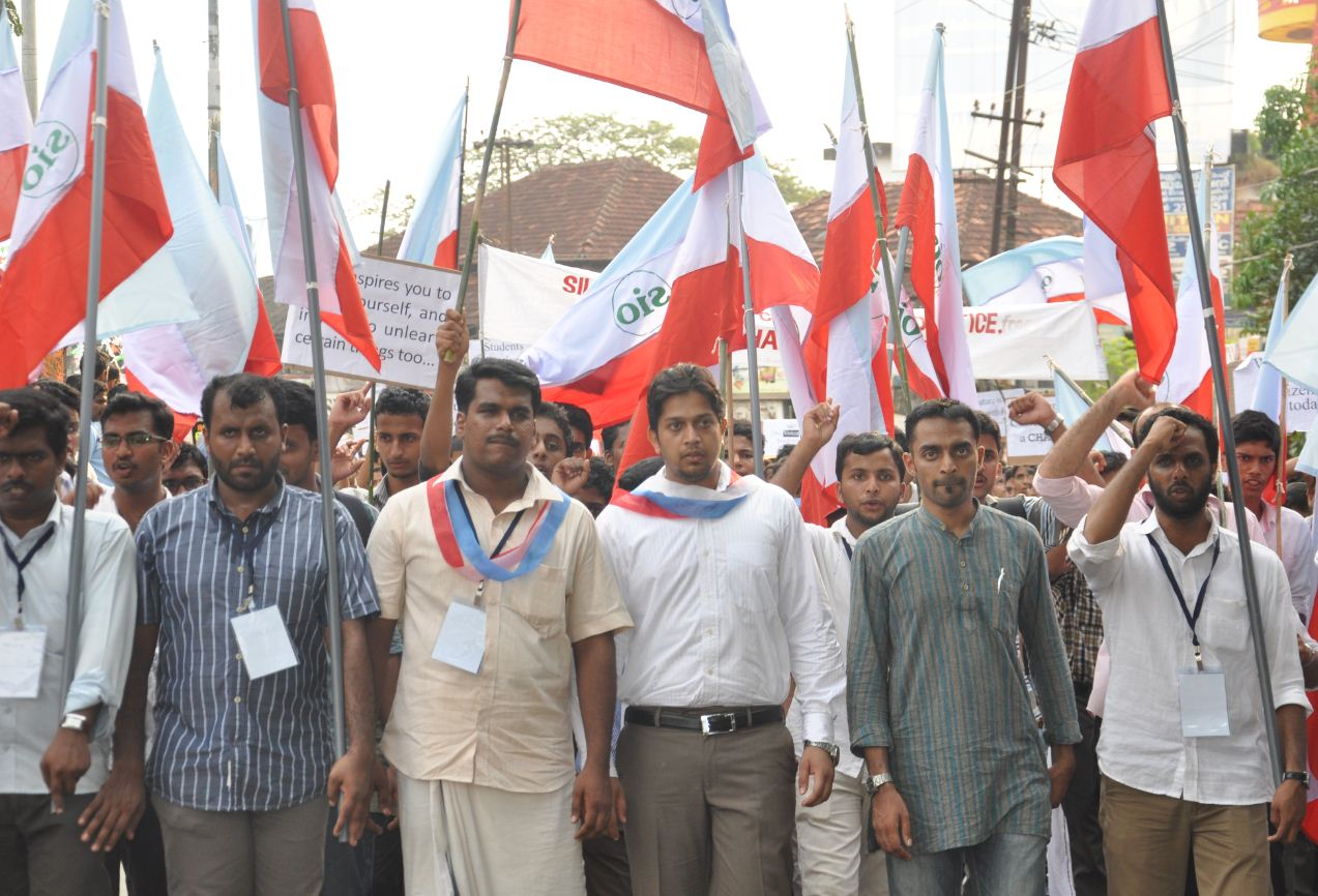 National President visits Kerala, leads students Rally