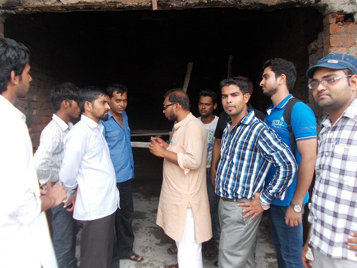 SIO UP WEST DELEGATES VISIT SAHARANPUR VICTIMS
