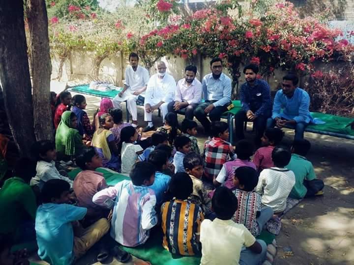Sio gujarat delegates visit vadavli village